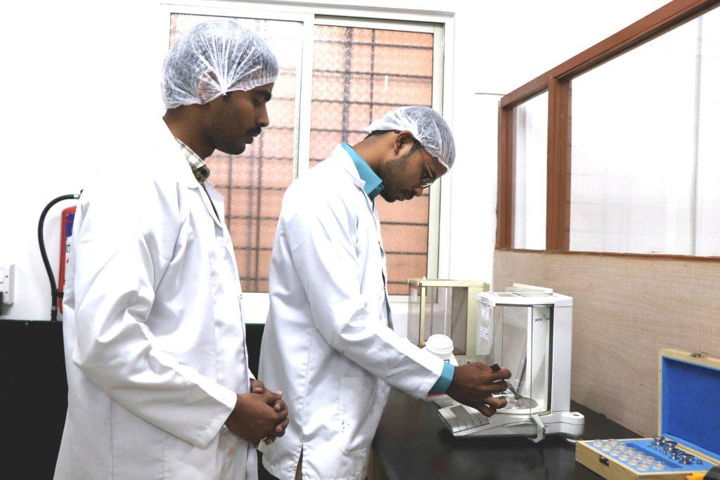INSTA VISION LABORATORY AND SERVICES | HPLC Training